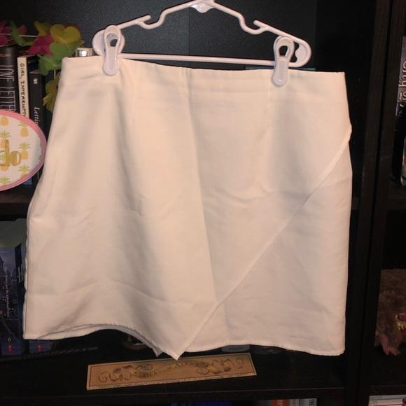 Tobi Dresses & Skirts - Tobi skirt